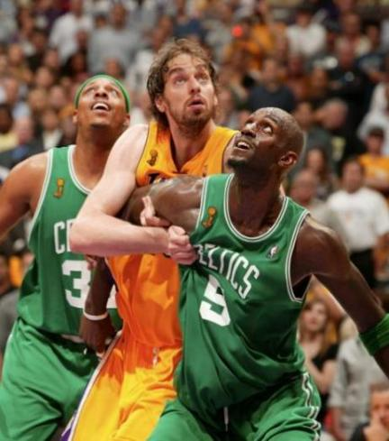 Pau and KG