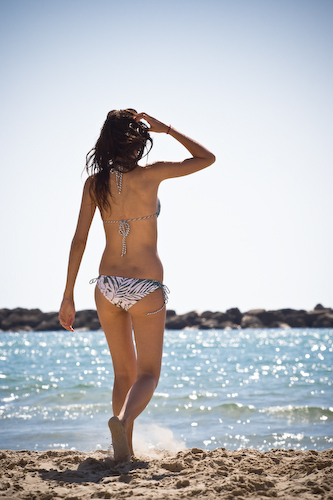 Tel Aviv Beachgirl height=500