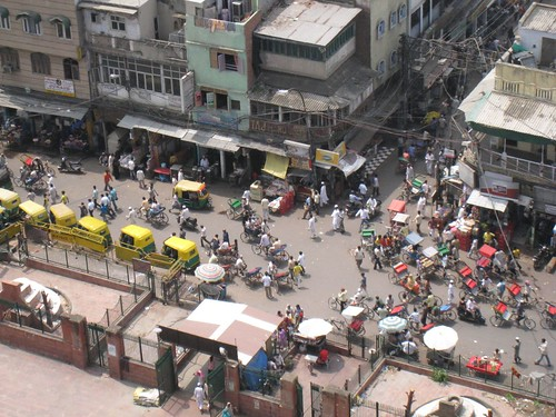 Bird's eye view of a Delhi intersection