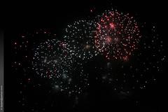 feu d'artifice à Berre l'Étang (Dominique Lenoir) Tags: france photo foto fireworks provence fotografia efc vuurwerk feuxdartifice feuerwerk feudartifice fyrverkeri fotografía ilotulitus southfrance berre ohňostroj pyrotechnie sztuczneognie fyrværkeri 13130 fuocodartificio berreletang berrelétang efcevénementielle foguetepirotécnico dominiquelenoir