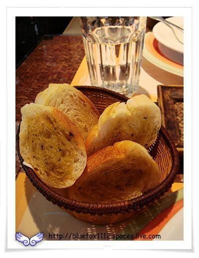 080725CalaCala義大利廚房08_大蒜麵包