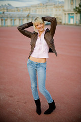 Walk with Masha (Geshpanets) Tags: street pink portrait girl smile hair russia streetportrait jeans girlgriend