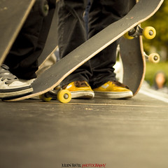 ~~ Desaxed World Cup Skateboard #03 ~~ (Julien Ratel ( Jll Jnsson )) Tags: lines sport grenoble canon shoes cone contest competition battle flags skaters sneakers tokina event international skate baskets skateboard duel hugs dual rider ost fil competitor drapeaux lordsofdogtown bisous cnes 1224f4 foxontherun 40d adversaire julienratel julienratelphotography desax desaxworldcup