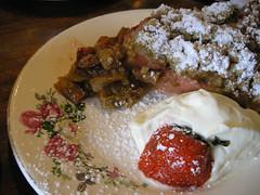 torta-rhubarb-pedaco