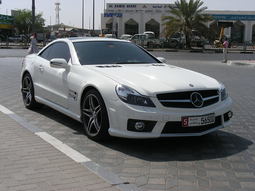 Mercedes 200E Topless W123 · Mercedes-Benz SL65 AMG V12 Biturbo - UAE 2009