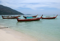 Sunlight Beach / Thailand, Koh Lipe (flydime) Tags: travel sea beach landscape thailand island boat asia kolipe tarutao adaman satun 5photosaday  natureandnothingelse