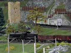 SBB C 5/6 Elefant Dampflok mit Kohlezug  auf der Spur 0 Anlage des Berner Modell - Eisenbahn - Club BMEC in Bern im Kanton Bern der Schweiz (chrchr_75) Tags: hurni christoph schweiz suisse switzerland svizzera suissa kanton bern berne berna chrchr chrchr75 chrigu chriguhurni 0811 bmec modell modellbahn spur zug train juna zoug trainen tog tren поезд lokomotive паровоз locomotora lok lokomotiv locomotief locomotiva locomotive eisenbahn railway rautatie chemin de fer ferrovia 鉄道 spoorweg железнодорожный centralstation ferroviaria sbb cff ffs schweizerische bundesbahn modelleisenbahn c56 burg burgruine elefant kohlezug dampflokomotive vapor vapeur steam vapore 蒸気機関車 stoomlocomotief albummodellbahnenderschweiz modellbau