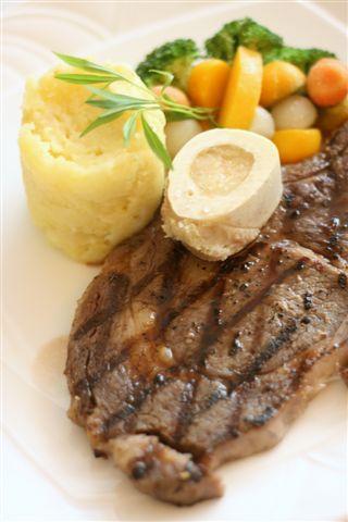 steak with marrow