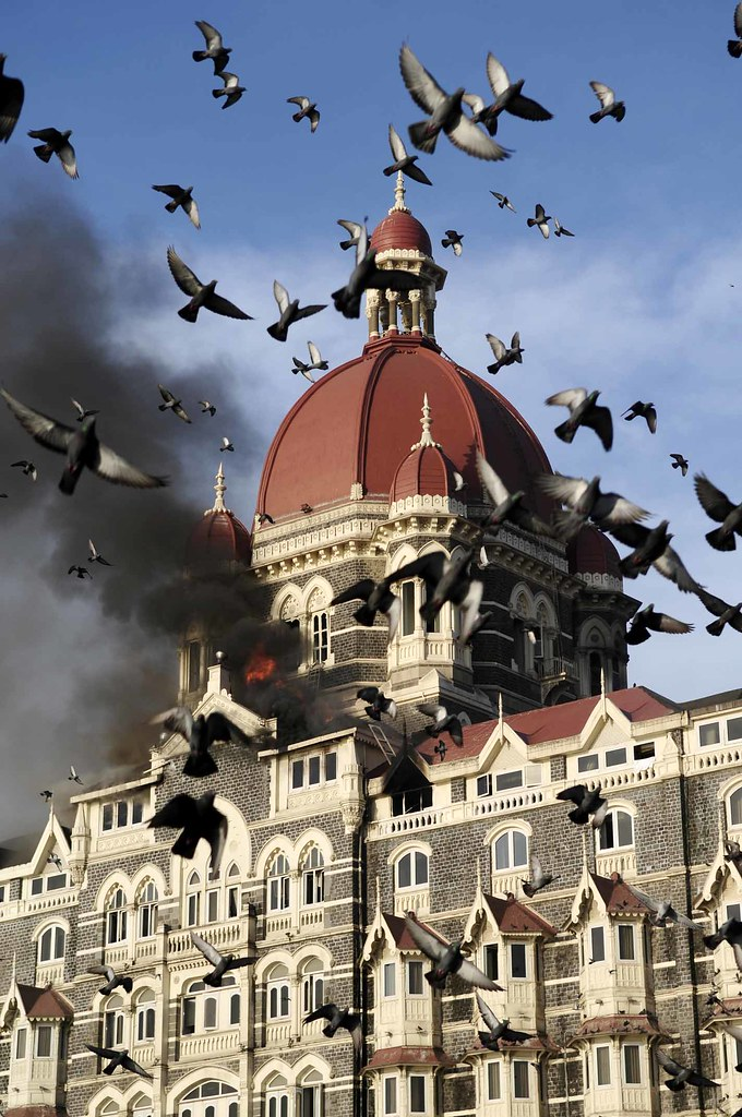 burning taj mahal hotel