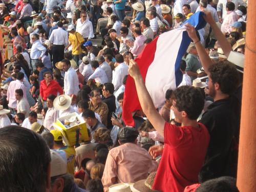Franceses en plaza de toros de Lima