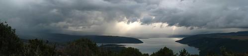 La tempête arrive sur le lac sainte victoire