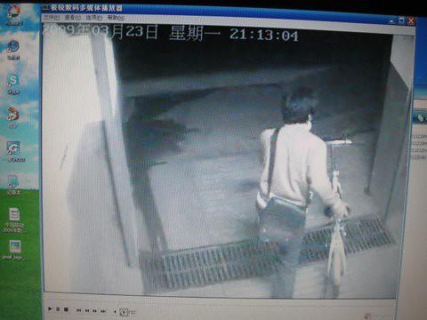 偷车监控录像曝光 - 30秒,一睹偷车贼庐山真面目 11 by you.
