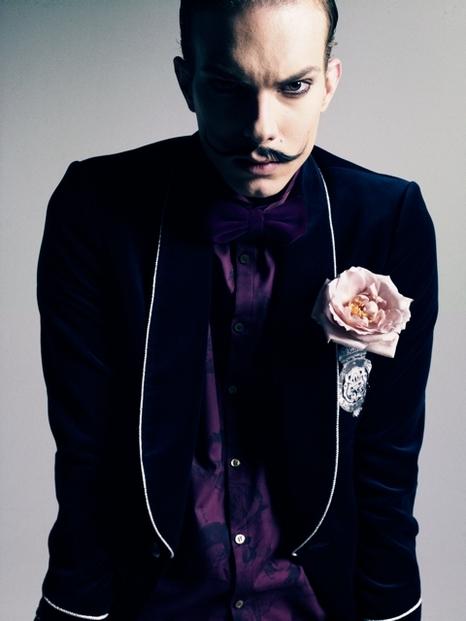 Felipe Dominici0082_GalaabenD AW11(Fashionsnap)