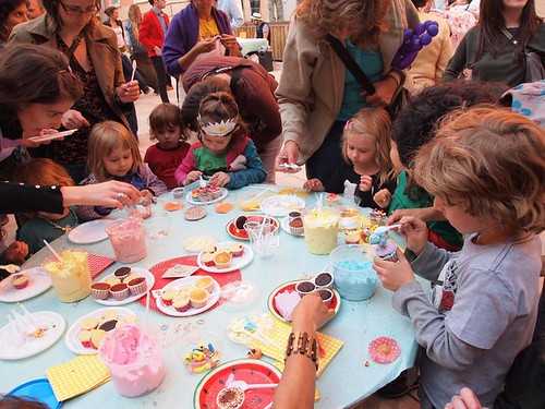 Cake decorating workshop for kids
