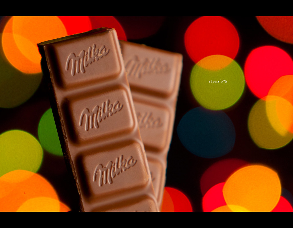 Project 365, Day 315, 315/365, bokeh, strobist, chocolate, bokeh bubbles, bokeh balles, milka,