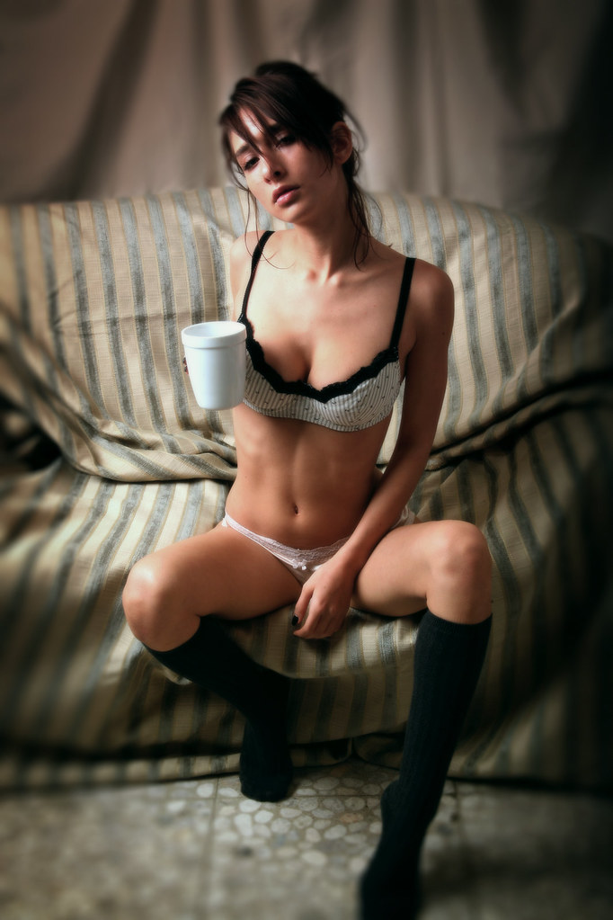 Isabella con cafe 1