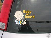 Baby per ongeluk opgesloten in auto