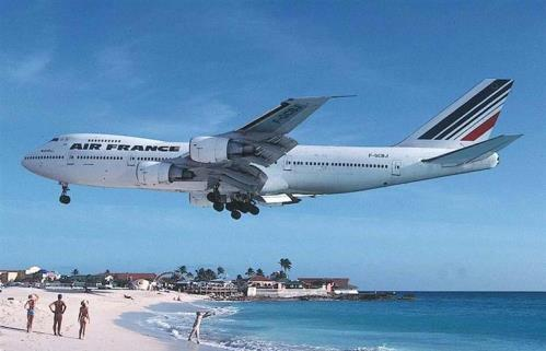 Dangerous Airplane Landings Some Dangerous Plane Landings