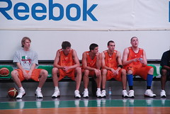 De izquierda a derecha: Norel, Motiejunas, Kalnietis, Mladjan y Stimac. Foto: artigasdanes.