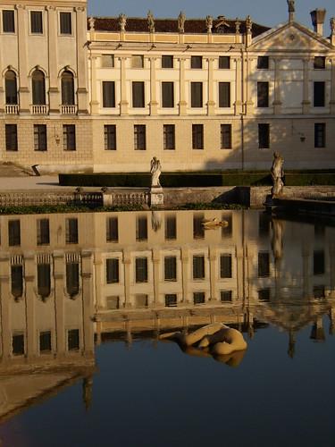 Mimmo Paladino: Dormienti a Villa Pisani
