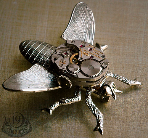 WINDUP BEE Vintage Watch Insect Brooch Pin 19 Moons WORKING MOVEMENT