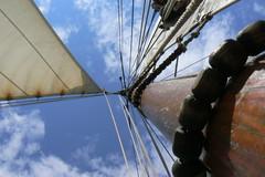 Straight up the mainmast (eodri elfri) Tags: architecture boat blackboard ijsselmeer monnickendam hannus mainmast