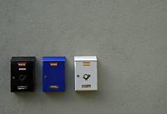 schreib mal wieder (matze_ott) Tags: post haus briefkasten briefksten briefe hauswand matthiasott