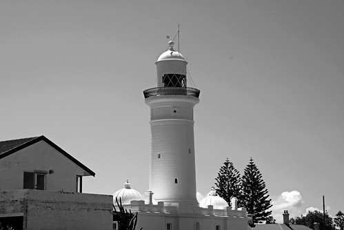 syd126lighthouse-bw
