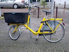bakfiets (keeshu) Tags: yellow blog geel yellowbike yellowbicycle yellowbicycles gelefiets