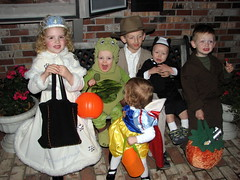 Halloween Cousins #2 (The Blythe Spirit) Tags: halloween turtle cousins lukeskywalker snowwhite skunk indianajones snowprincess