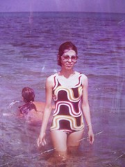 1966 (E.Goods) Tags: sea women purple optical 1970 1960