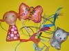 Para pendurar desenhos... (Susana Tavares) Tags: gato borboleta crianças menina decoração divertida papiermachê miudos susanatavares muitascores molinhas penduradesenhos