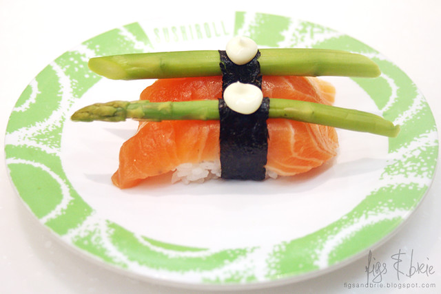 Salmon and Asparagus Nigiri, Sushi Roll