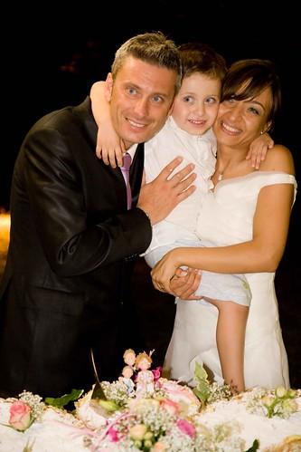 Il Cake topper per il matrimonio di Monica con suo marito e figlio