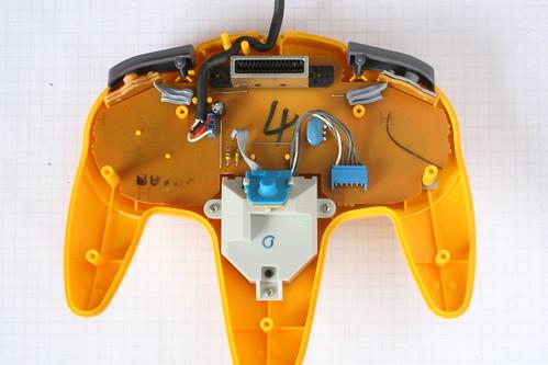 Manette Nintendo 64 plus détectée 2679157465_d02fab7a42