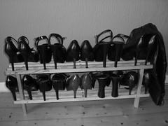 meine Schuhe (blackpenguin!) Tags: leather foot shoe sm bdsm heels mistress leder footfetish femdom domina
