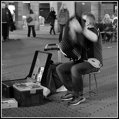 Akkordeon_Player_#2 (KurtFML) Tags: musician music night nuremberg player nrnberg akkordeon