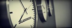 Egy másodperc / One second (Balázs B.) Tags: bw white black clock wall radio canon studio hungary hour second fm magyarország fal óra fekete fehér zalaegerszeg canonef24105mmf4lisusm rádió 40d studió másodperc