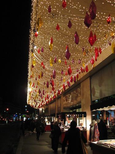 Les décorations de Noël au BHV Hotel de Ville Paris