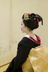 Sakkou  #2 (Onihide) Tags: kyoto maiko geiko kotoha explored gionkobu  sakkou