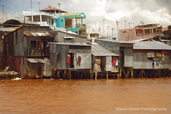 Life on the Mekong River (fesign) Tags: houses homes explore mekongdelta antennas mekongriver ninedragon bratanesque sngculong