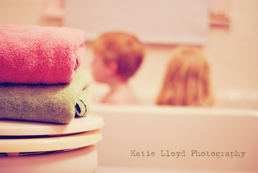 kids-in-tub