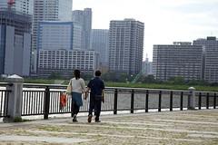 Each grasper @ Lalaport Toyosu (Takanori Kishikawa) Tags: road park sea woman man japan canon toyosu kotoku lalaporttoyosu