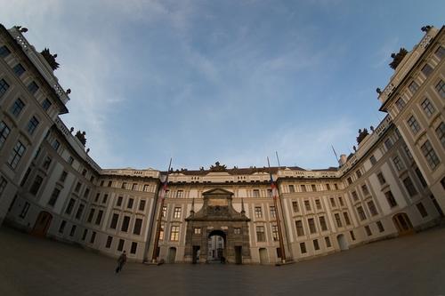 Castillo-de-Praga-Photoshop