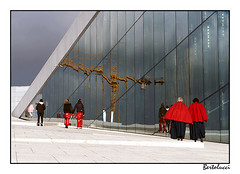 Operahuset (AurelioZen) Tags: oslo norway norge operahouse russ constitutionday snøhetta rødruss