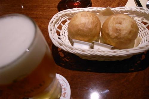 肉の万世のパン