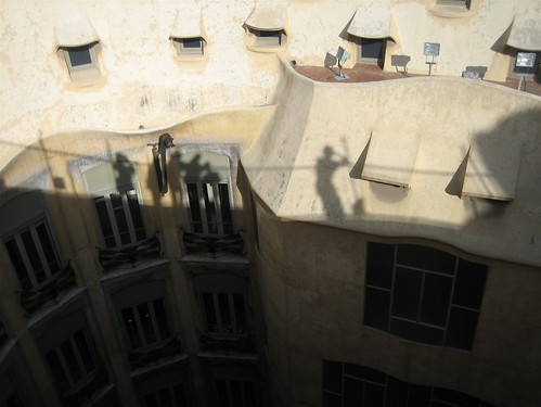 080520. i'm the shadow on the far left. la pedrera.