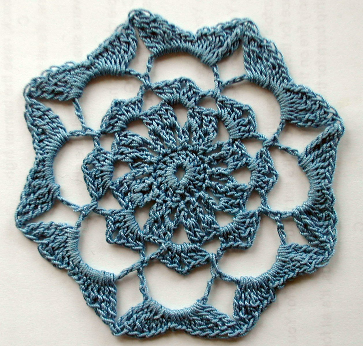 Knits and Knots: Floral Star Doily - Free Pattern