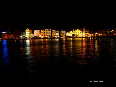 Floating City (darr_l) Tags: waterfront nightshot curaao willemstad handelskade punda floatingcity damniwishidtakenthat grouptripod