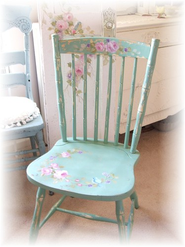 2752545556 aed11d369e Shabby Chic  Cottage Chair with Roses
